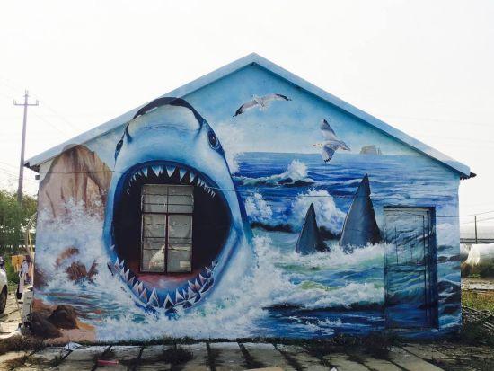 郑家村以海洋为主题的3D彩绘墙面。长宣