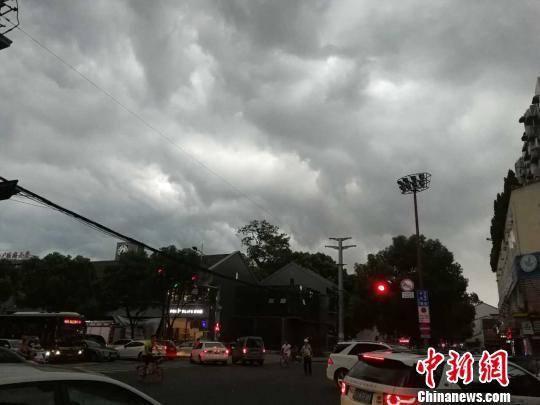 台风临境前的温州 兰成龙 摄