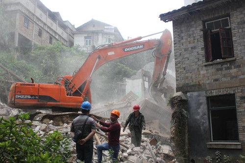 遂昌县城西街143号(原交通工程公司宿舍)D级危房拆除。徐浩