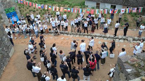50余名中外艺术家走进松阳古村。松阳新闻提供