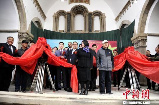 图为《音乐家》中国首镜仪式现场。 田进 摄