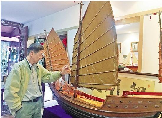 钱兴国介绍舟山古渔船船模