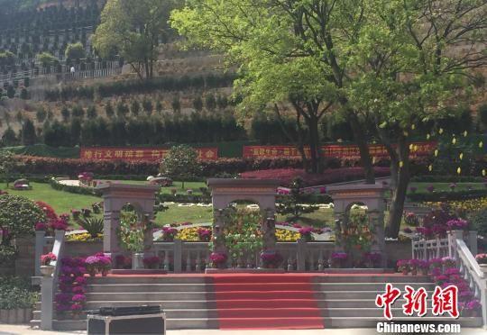 安贤园新生态艺术苑全貌。 童笑雨 摄
