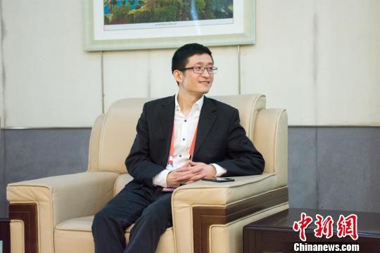 王晓斐接受采访。主办方提供