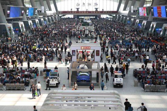 节前的杭州东站。杭州铁路公安处 供图