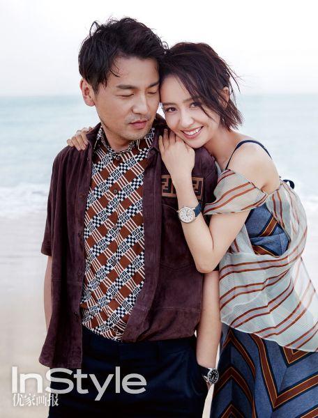 图为:雷佳音(左一)与佟丽娅拍摄杂志封面。 艺人宣传供图