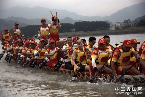 龙舟队伍里的华侨河长