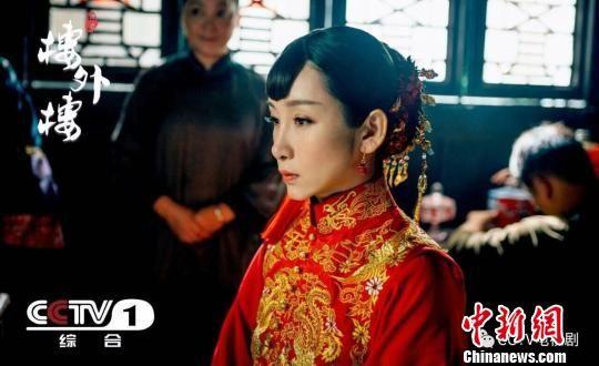 电视剧《楼外楼》女主角李春贤剧照。苏舟提供