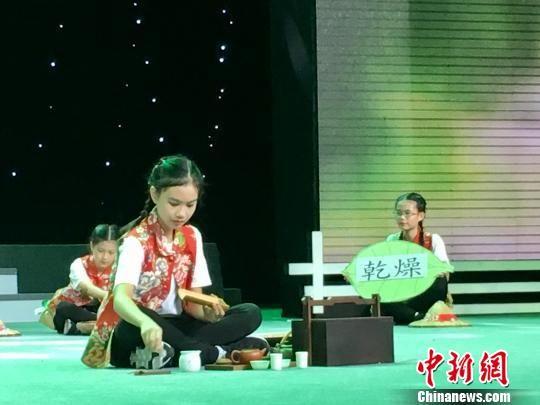 图为:杭州市两岸少儿幸福音乐会现场 钱晨菲 摄