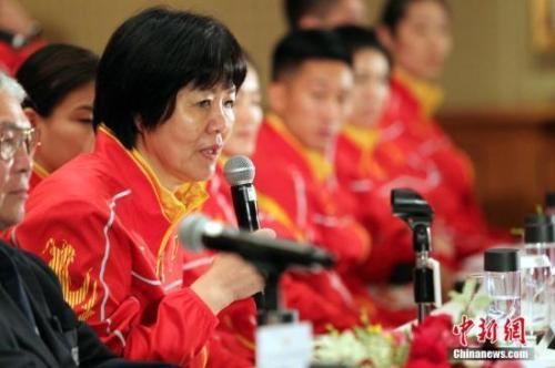 资料图:郎指导赛前表示,本次比赛女排的目标是力争前六。中新社记者 洪少葵 摄
