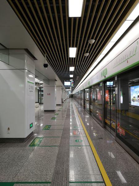 图为杭州地铁4号线。 张煜欢 摄