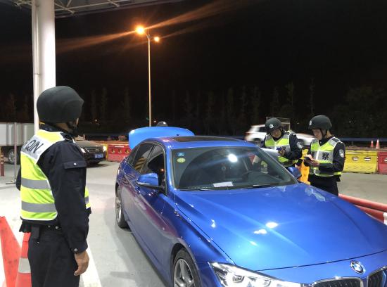 杭州萧山警方进行车辆管控排查工作。 警方供图