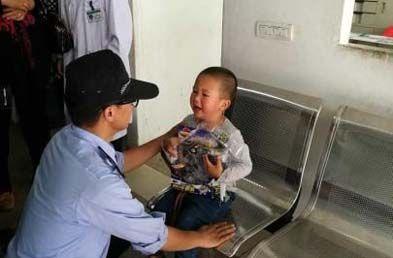 浙江3岁男童走失仍识回家路 民警辗转27公里护送回家