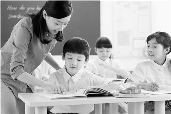 今后,没有取得教师资格证者不得从事学科类培训工作。