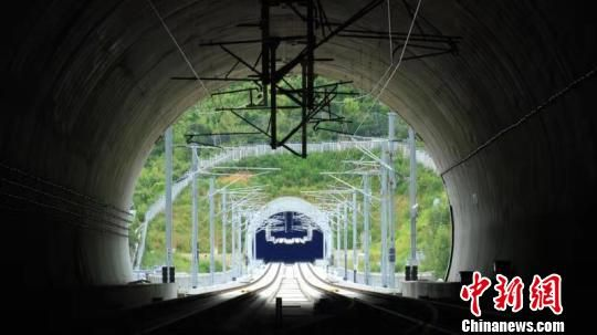 杭黄铁路开始列车运行图参数测试全线开通进入倒计时